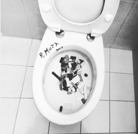 ai_wei_wei_toilet_LEGO